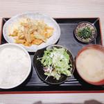 100679011 - 本日の500円ランチ                       ホルモン味噌炒め