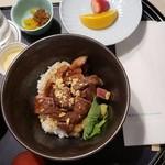 ホテル日航成田 - 料理写真:ビーフステーキ丼(3,400円)
