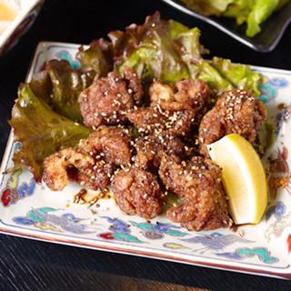 鳥唐揚げ串カツに、海老フライに天ぷらと、揚物メニューも人気!