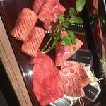 焼肉K - 肉盛り合わせ1500円