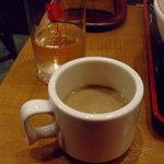 飲茶 居酒屋 香港亭 - ランチのコーヒー(コーヒー・アンニン豆腐無料サービス)