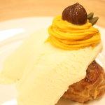 ロンカフェ - 秋限定!!かぼちゃのモンブランとマロングラッセのフレンチトースト