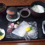 大船 - アカイカの定食1100円