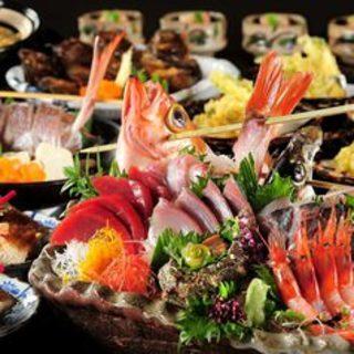 旬の贅沢食材を堪能。コースは4500~9500円をご用意。