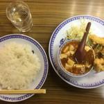 Heiwarou - 本日の日替わり 麻婆豆腐と鶏唐揚げ