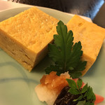 鰻割烹 伊豆栄 - 卵焼きは手作りですね  私の好みでした  美味しい!