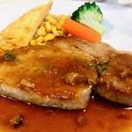 ピッツェリア イル ビアンコ - 「本日のお肉ランチ」は「ポークロースのソテー 和風きのこソース」。