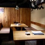 100716634 - ロフト式のテーブル席