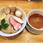 麺堂イズム - 料理写真:イズムのつけ麺・醤油+大盛り+味玉