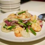 精華苑 - 海老と野菜の塩炒め