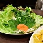 サイゴン - 【海鮮パリパリお好み焼き@1,480円】野菜群