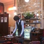 カフェレストラン フィガロ - 店内も変わらず・・