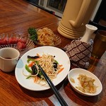 台北101 - いつもの腸詰め、干し豆腐、くらげ