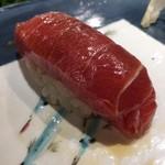 第三春美鮨 - シビマグロ 149.6kg 腹上二番 中トロ 延縄漁 熟成12日目 青森県大間