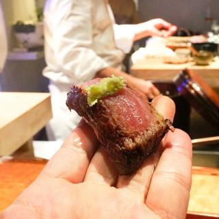 初音鮨 - 料理写真:大トロ炙り