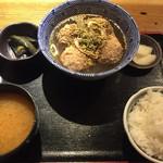 ミナミ屋 - 地鶏団子の旨煮定食