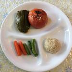 100742754 - ピーマンとトマトの肉・米詰め