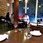 ラ・ファットリア - テーブル席