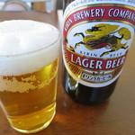 楽亭 - 瓶ビール(キリンラガービール)