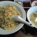 10075611 - チャーハン、スープ、ザーサイ