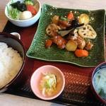 大戸屋ごはん処 - 人気No.1の黒酢あん定食