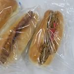 ベーカリー相馬屋 - ハムカツパンと 焼きそばパンです