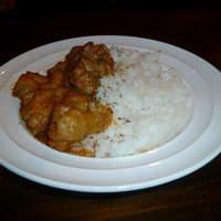 アイリッシュパブ グロー - 新メニュー「鶏肉とピーナッツのエスニック風」です。お酒にもご飯にもぴったり!ぜひ一度ご賞味あれ!!