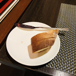 ビストロリコッタ - おかわりのバゲット