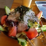 浜焼き白浜家 - 海鮮サラダ。