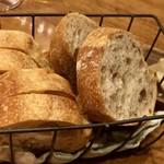 Bonne qúela - お通しんlパン