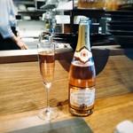 KINOE - スパークリングワイン ロゼ