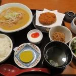 もつ焼き いしん - ・「もつ煮ランチ(¥850)」
