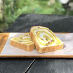 100795429 - 秋の有松絞りパン
