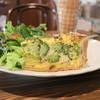 ブラック バーズ - 料理写真:ブロッコリーのキッシュ