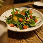 一饗 - 自家製ドレッシングのグリーンリーフサラダ