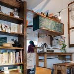 タビラコ - カウンターと厨房