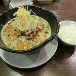 100823578 - 担々麺780円+サービスライス
