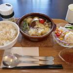 ベリーベリースープ - 料理写真:オニオングラタンハンバーグセット1000円