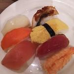 100826650 - 握りたてのお寿司