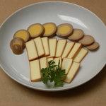 レストラン ローズマリー - スモークチーズ燻製タマゴ