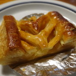 クイーンズベーカリー - 料理写真:PINYのアップルパイ