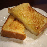 クスクス - アーモンドトースト