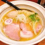 麺屋NOROMA - 鶏そば+味玉