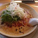 萬万亭 - 料理写真:坦々麺(830円)