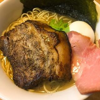 らーめん いのうえ - 料理写真:らーめん 大盛り 特製トッピング(豚バラチャーシュー、味玉、のり2枚) ¥800+300  豚バラチャーシューは炙ってあり、厚みも十分で150g程ありそう。