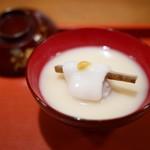 祇園 大渡 - 白味噌仕立ての小椀