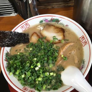 福来家 - 料理写真:豚骨ラーメン+ネギ=650円なり