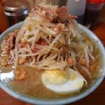 100847074 - ラーメン 麺少なめ ちょいヤサイ・ニンニク