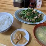 朝田屋食堂 - 肉ニラ定食