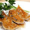 MIKIYA GYOZA STAND - 料理写真:福岡県豊前産の天然物の鹿ロースとスネ肉を赤ワインと三河産大豆を使用した天然醸造の八丁味噌でラグーして餃子にしました。